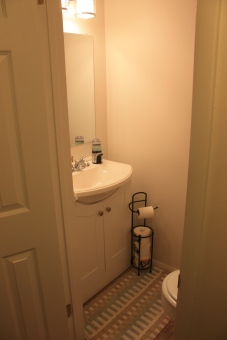 The studio powder room is handy for student to clip their nails or wash their hands before lessons.
